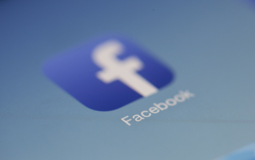 surveiller facebook