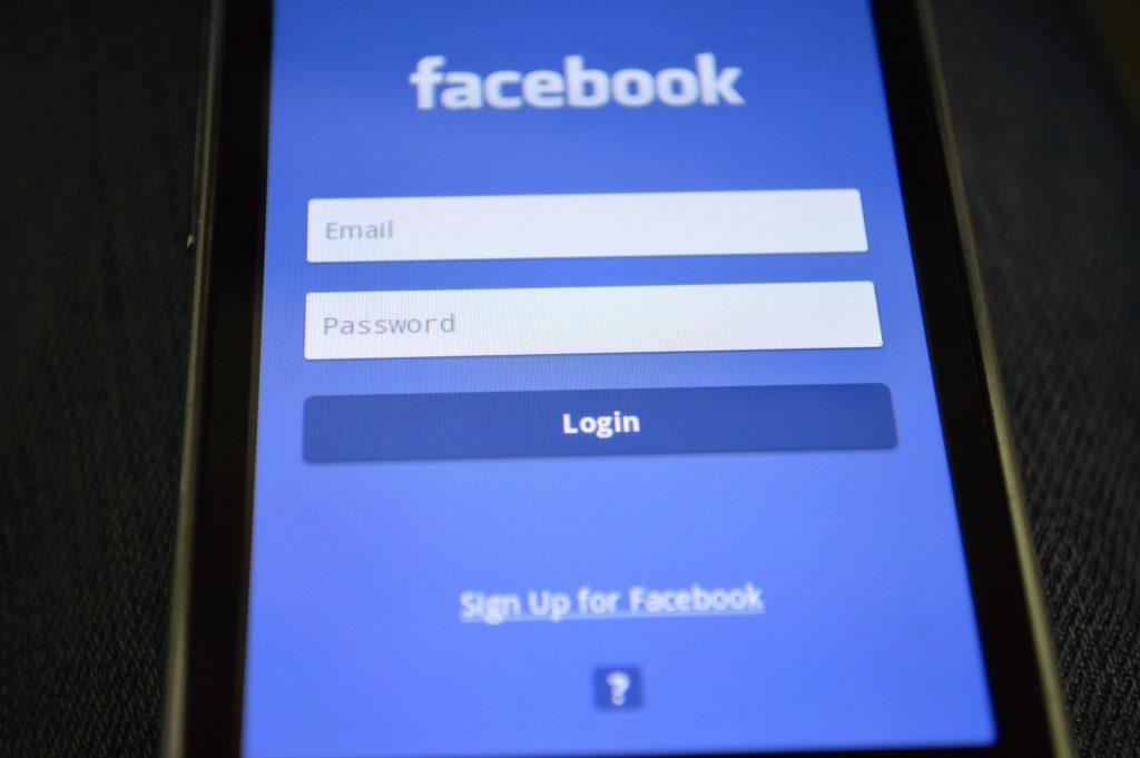 espionnage facebook